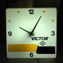 Victor-classic-clock-prop-house-rental - New York