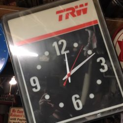 new-york-prop-rentals-bar-memorabilia-4-clock