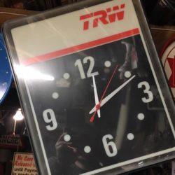 new-york-prop-rentals-bar-memorabilia-4-clock