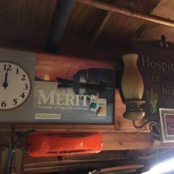 new-york-prop-rentals-bar-memorabilia-8