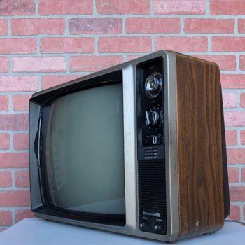 VINTAGE-TV-PROP-RENTALS-NY-03