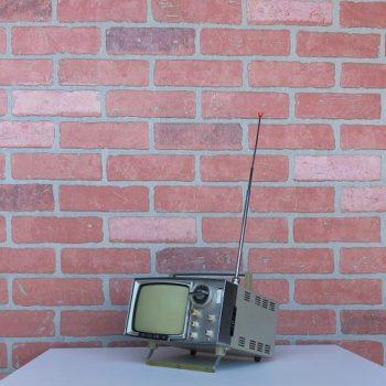VINTAGE-TV-PROP-RENTALS-NY-08