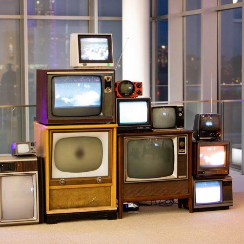 VINTAGE TV DISPLAY WALL PARTY PROP RENTALS NY MANHATTAN