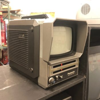 retro portable tv prop rental (NY | CT | MA)