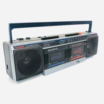 90s magnavox prop boombox