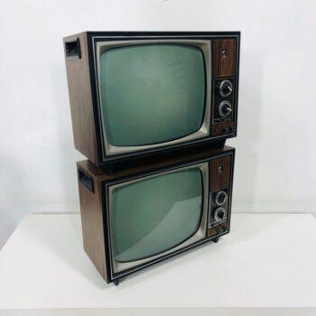 SET MATCHING VINTAGE TV PROP RENTALS