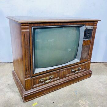 IMG_6930.jpg_vintage tv_prop_nyc_